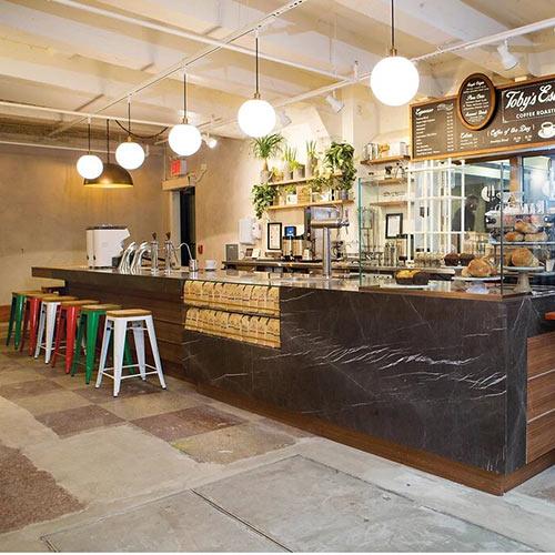 Decoración interior de café-bar